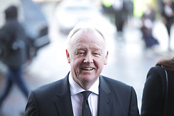 © Licensed to London News Pictures. 28/03/2018. Liverpool, UK. Les Dennis arrives. The funeral of comedian and performer Sir Ken Dodd , who died on 11th March 2018 at the age of 90 . Photo credit: Joel Goodman/LNP