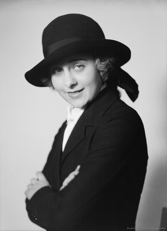 Cilly Feindt, actress and circus performer, 1927
