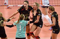 04-01-2016 TUR: European Olympic Qualification Tournament Nederland - Duitsland, Ankara <br /> De Nederlandse volleybalvrouwen hebben de eerste wedstrijd van het olympisch kwalificatietoernooi in Ankara niet kunnen winnen. Duitsland was met 3-2 te sterk (28-26, 22-25, 22-25, 25-20, 11-15) / Christiane Furst #11 of Germany, Margareta Anna Kozuch #14 of Germany