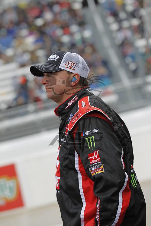 October 29, 2017 - Martinsville, Virginia, USA: Kurt Busch (41) crew member watches the First Data 500 at Martinsville Speedway in Martinsville, Virginia.