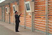 Duitsland, Hannover expo 2000, mei 2000Japans paviljoenInstellen van t.v-monitorenFoto: Flip Franssen/Hollandse Hoogte