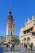 Ratusz i Sukiennice na Rynku Głównym w Krakowie, Polska<br /> Cloth Hall on the Market Square in Cracow, PolandThe Cracow Main Market.