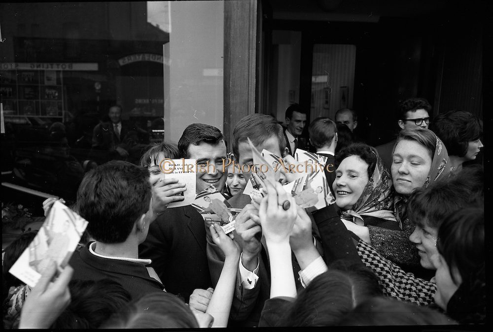 Dickie Rock is surrounded by fans looking for an autograph.   <br /> 26.04.1966