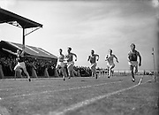 05/07/1952<br /> 07/05/1952<br /> 05 July 1952<br /> N.A.C.A. (National Athletic and Cycling Association) Championship of Ireland Finals at Iveagh Grounds, Crumlin, Dublin. J. O'Gorman (Clonmel A.C.) (extreme left) winning the 60yd Dash, J.J. O'Donnell (St James Gate A.C.) (right) was second.