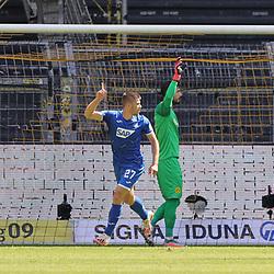 Tor KRAMARIC, Hoffenheim zum 0:2 gegen BÜRKI<br /> <br /> firo, Sport: Fussball: 1. Bundesliga: Saison 2019/2020, 27.06.2020,34. Spieltag,<br /> BVB, Borussia Dortmund - TSG Hoffenheim<br /> <br /> Foto: Ralf Ibing / firosportphoto / POOL/PIX-Sportfotos<br /> <br /> Nur für journalistische Zwecke! Only for editorial use! <br /> <br /> <br /> Foto © PIX-Sportfotos *** Foto ist honorarpflichtig! *** Auf Anfrage in hoeherer Qualitaet/Aufloesung. Belegexemplar erbeten. Veroeffentlichung ausschliesslich fuer journalistisch-publizistische Zwecke. For editorial use only. DFL regulations prohibit any use of photographs as image sequences and/or quasi-video.