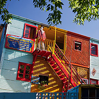 """The picturesque artist's quarter of """"La Boca"""" has also a lot of tango clubs and italian restaurants."""