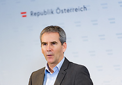 10.01.2019, Hotel Schlosspark, Mauerbach, AUT, Bundesregierung, Doorstep zur Regierungsklausur 2019, im Bild Finanzminister Hartwig Löger (ÖVP) // Austrian Minister for Finance Hartwig Loeger during convention of the Austrian government at Mauerbach in Lower Austria, Austria on 2019/01/10 EXPA Pictures © 2019, PhotoCredit: EXPA/ Michael Gruber