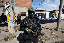 April 17, 2018 - Buenos Aires, Buenos Aires, Argentina - The Federal Police arrested a drug gang with cocaine, doses of coca paste and weapons. The gang operated and sold the drugs in a bunker in the deprived neighborhood ''Villa Tropezon'', municipality of San Martin. (Credit Image: © Claudio Santisteban via ZUMA Wire)