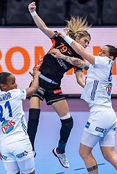 14-12-2018 FRA: Women European Handball Championships France - Netherlands, Paris<br /> Second semi final France - Netherlands / Orlane Kanor #21 of France, Estavana Polman #79 of Netherlands, Alexandra Lacrabere #64 of France
