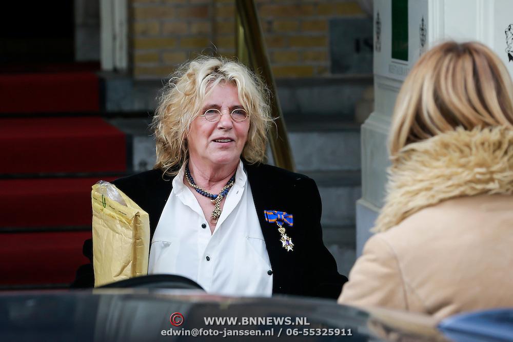 NLD/Amsterdam/20130419 - Gertie Bierenbroodspot benoemd tot Ridder In de Orde van de Nederlandse Leeuw