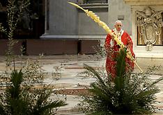 Pope Francis celebrates Palm Sunday Mass without the public - 5 April 2020
