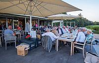 Valkenswaard  - terras clubhuis.  ,  Eindhovensche Golf Club.   COPYRIGHT KOEN SUYK