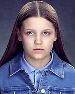 Actor headshots Daisy Reed