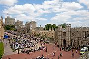 """Koning Willem Alexander wordt door Hare Majesteit Koningin Elizabeth II geïnstalleerd in de 'Most Noble Order of the Garter'. Tijdens een jaarlijkse ceremonie in St. Georgekapel, Windsor Castle, wordt hij geïnstalleerd als 'Supernumerary Knight of the Garter'.<br /> <br /> King Willem Alexander is installed by Her Majesty Queen Elizabeth II in the """"Most Noble Order of the Garter"""". During an annual ceremony in St. George's Chapel, Windsor Castle, he is installed as """"Supernumerary Knight of the Garter"""".<br /> <br /> Op de foto / On the photo:  Processie bij Windsor Castle met o.a. Koning Willem Alexander en Koning Felipe VI van Spanje<br /> <br /> Procession at Windsor Castle with, among others, King Willem Alexander and King Felipe VI of Spain"""
