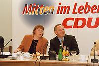 09.01.1999, Deutschland/Königswinter:<br /> Angela Merkel, CDU Generalsekretärin, und Wolfgang Schäuble, CDU Parteivorsitzender, zu Beginn der Klausurtagung des CDU-Bundesvorstandes, Arbeitnehmerzentrum, Königswinter<br /> IMAGE: 19990108-02/01-15<br /> KEYWORDS: Wolfgang Schaeuble