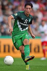 14.08.2010, Wersestadion, Ahlen, GER, Rot Weiss Ahlen vs Werder Bremen 0:4, DFB Pokal 1. Runde,  1. FBL 2010, im Bild Mesut Özil / Oezil ( Werder #11 ). EXPA Pictures © 2010, PhotoCredit: EXPA/ nph/  Kurth+++++ ATTENTION - OUT OF GER +++++ / SPORTIDA PHOTO AGENCY