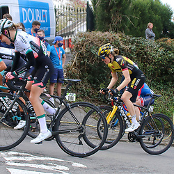 21-04-2021: Wielrennen: Waalse Pijl Elite Women: Huy<br />Janneke Ensing, (141) Julia van Bokhoven, (56) Julie van der Velde