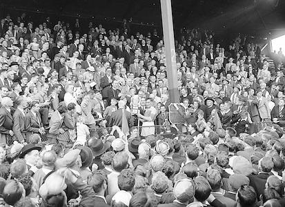 Neg No: 860/a1769-a1778,..4091955AISHCF,..04.09.1955, 09.04.1955, 4th September 1955,...All Ireland Senior Hurling Championship - Final,.Wexford.03-13, Galway.02-08,...