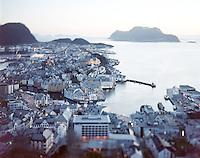 Klassisk oversiktsbilde over Ålesund.<br /> Foto: Svein Ove Ekornesvåg