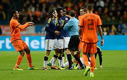 19-11-2013 VOETBAL: NEDERLAND - COLOMBIA: AMSTERDAM<br /> Nederland speelt met 0-0 gelijk tegen Colombia / Leroy Fer, Carlos Sanchez , Kevin Strootman<br /> ©2013-FotoHoogendoorn.nl