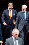 7-1-2016 AMSTERDAM - The european commission visits Thursday, January 7th, 2016 a visit to the Netherlands. The Commission visit by the King Willem Alexander and Maxima queen at the palace on the Dam, has met with the entire Dutch cabinet and speaks with members of the Senate and House. The visit marks the start of the Dutch Presidency of the European Union. COPYRIGHT ROBIN UTRECHT<br /> DEN HAAG - Koning Willem-Alexander en koningin Maxima gaan op de foto met de Europese Commissie in het Koninklijk Paleis in het kader van het EU-Voorzitterschap van Nederland in de eerste helft van 2016.