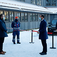 Gardermoen 20210103. <br /> Kronprins Haakon besøker Clarion hotel Gardermoen for å møte pårørende og evakuerte etter jordraset i Ask i Gjerdrum.<br /> Foto: Tor Erik Schrøder / NTB
