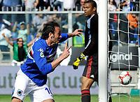 L'esultanza di Giampaolo Pazzini (Sampdoria) per il gol del 2-1<br /> Sampdoria player Giampaolo Pazzini celebrates his 2-1 leading goal <br /> Genova 18/04/2010 Stadio Ferraris Marassi<br /> Sampdoria Milan - Campionato di Serie A Tim 2009-10.<br /> Foto Giorgio Perottino / Insidefoto