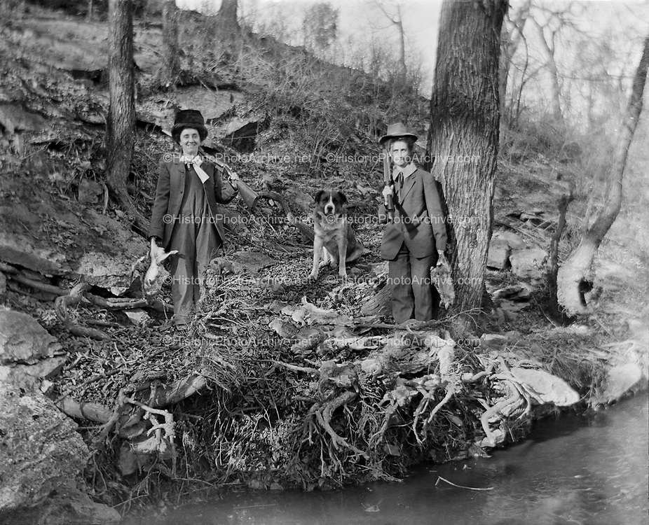 0608-120.  two women hunting with guns. Nebraska, about 1910.