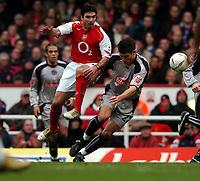 Fotball<br /> FA Cup tredje runde<br /> 09.01.2005<br /> Foto: Fotosports/Digitalsport<br /> NORWAY ONLY<br /> <br /> Arsenal v Stoke City<br /> <br /> Antonio Reyes Arsenal - Jason Jarrett Stoke City