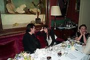 ANNABEL NEILSON, Dinner hosted by Elizabeth Saltzman for Mario Testino and Kate Moss. Mark's Club. London. 5 June 2010. -DO NOT ARCHIVE-© Copyright Photograph by Dafydd Jones. 248 Clapham Rd. London SW9 0PZ. Tel 0207 820 0771. www.dafjones.com.