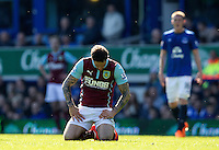 Burnley's Danny Ings appears to show his dejection at the way the match is going<br /> <br /> Photographer Stephen White/CameraSport<br /> <br /> Football - Barclays Premiership - Everton v Burnley - Saturday 18th April 2015 - Goodison Park - Everton<br /> <br /> © CameraSport - 43 Linden Ave. Countesthorpe. Leicester. England. LE8 5PG - Tel: +44 (0) 116 277 4147 - admin@camerasport.com - www.camerasport.com