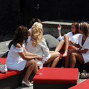 NLD/Amsterdam/20070610 - Presentatie Playboy's Playmates Collectors Special Edition, playmates kletsend op de bank
