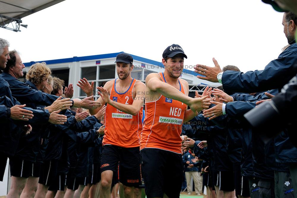 03-06-2012 VOLLEYBAL: EK BEACHVOLLEYBAL FINAL: SCHEVENINGEN<br /> Emiel Boersma en Daan Spijkers<br /> ©2012-FotoHoogendoorn.nl
