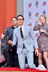 May 1, 2019 - Los Angeles, Kalifornien, USA - Johnny Galecki, Jim Parsons und Kaley Cuoco bei der Handprints Ceremony am TCL Chinese Theatre Hollywood. Los Angeles, 01.05.2019 (Credit Image: © Future-Image via ZUMA Press)