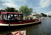 Henley Royal Regatta, Henley on Thames, ENGLAND,  1996 Photo: Peter Spurrier/Intersport Images.  Mob +44 7973 819 551/email images@intersport-images.com ...........Rowing Courses, Henley Reach, Henley, ENGLAND. HRR