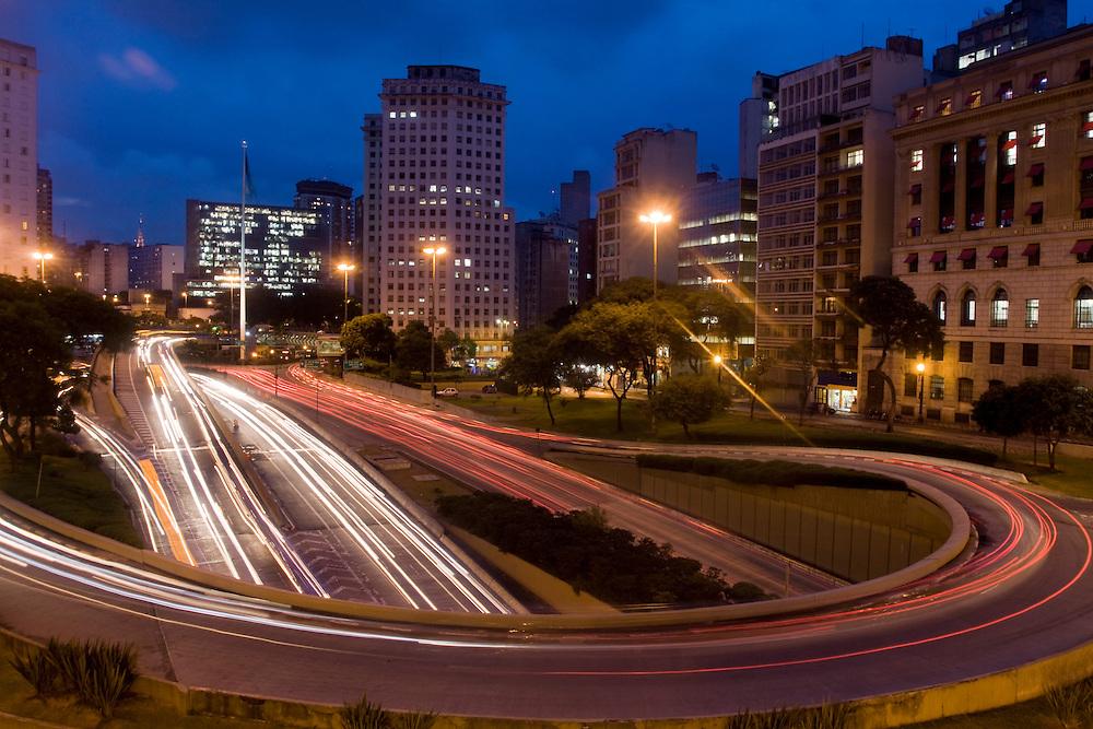 Sao Paulo_SP, Brasil...Avenida Prestes Maia com a Praca da Bandeira ao fundo...The Prestes Maia avenue in Sao Paulo with the Bandeira square in the background...Foto: MARCUS DESIMONI /  NITRO