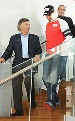19.10.2011, Uniqa Tower, Wien, AUT, OESV, Pressekonferenz Mathias Lanzinger ueber Zukunftspaene des Salzburger Skirennlaufers nach seinem verherenden Sturz am 2. Maerz 2008 in Kvitfjell (NOR). Damals musste ihm der linke Unterschenkel amputiert werden. , im Bild OESV Praesident Peter Schroecksnadel mit Mathias Lanzinger // during the Press Conference of Mathias Lanzinger about his plans in the future after his devastating accident on march the 2nd 2008 in Kvitfjell (NOR) In those days he has a below-knee amputation on the left foot, Uniqa Tower, Vienna, 2011-10-19, EXPA Pictures © 2011, PhotoCredit: EXPA/ M. Gruber
