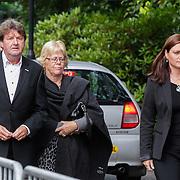 NLD/Leusden/20120920- Uitvaart Joop van Tellingen, Albert West en partner en dochter