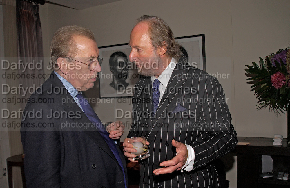 Sir David Frost and Ed Victor, Party to celebrate the publication of 'Rita's Culinary Trickery' by Rita Konig. Morton's. 18 November 2004.  ONE TIME USE ONLY - DO NOT ARCHIVE  © Copyright Photograph by Dafydd Jones 66 Stockwell Park Rd. London SW9 0DA Tel 020 7733 0108 www.dafjones.com