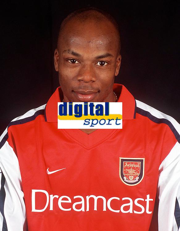 Sylvian Wiltord (Arsenal). Arsenal 0:0 Derby County, F.A.Carling Premiership, 11/11/2000. Credit / Colorsport / Stuart MacFarlane.