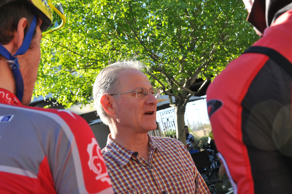Mayor Jonathan Rothschild greets cyclists who are about to participate in the Old Pueblo Gran FUNdo.