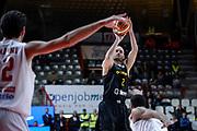 DESCRIZIONE : Varese FIBA Eurocup 2015-16 Openjobmetis Varese Telenet Ostevia Ostende<br /> GIOCATORE : Pierre-Antoine Gillet<br /> CATEGORIA : Tiro<br /> SQUADRA : Telenet Ostevia Ostende<br /> EVENTO : FIBA Eurocup 2015-16<br /> GARA : Openjobmetis Varese - Telenet Ostevia Ostende<br /> DATA : 28/10/2015<br /> SPORT : Pallacanestro<br /> AUTORE : Agenzia Ciamillo-Castoria/M.Ozbot<br /> Galleria : FIBA Eurocup 2015-16 <br /> Fotonotizia: Varese FIBA Eurocup 2015-16 Openjobmetis Varese - Telenet Ostevia Ostende