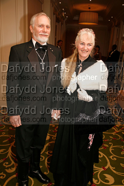 DOUGLAS AND MARY GRESHAM, 17th Annual Book Awards, hosted by richard and Judy. grosvenor House. London. 29 March 2006. ONE TIME USE ONLY - DO NOT ARCHIVE  © Copyright Photograph by Dafydd Jones 66 Stockwell Park Rd. London SW9 0DA Tel 020 7733 0108 www.dafjones.com