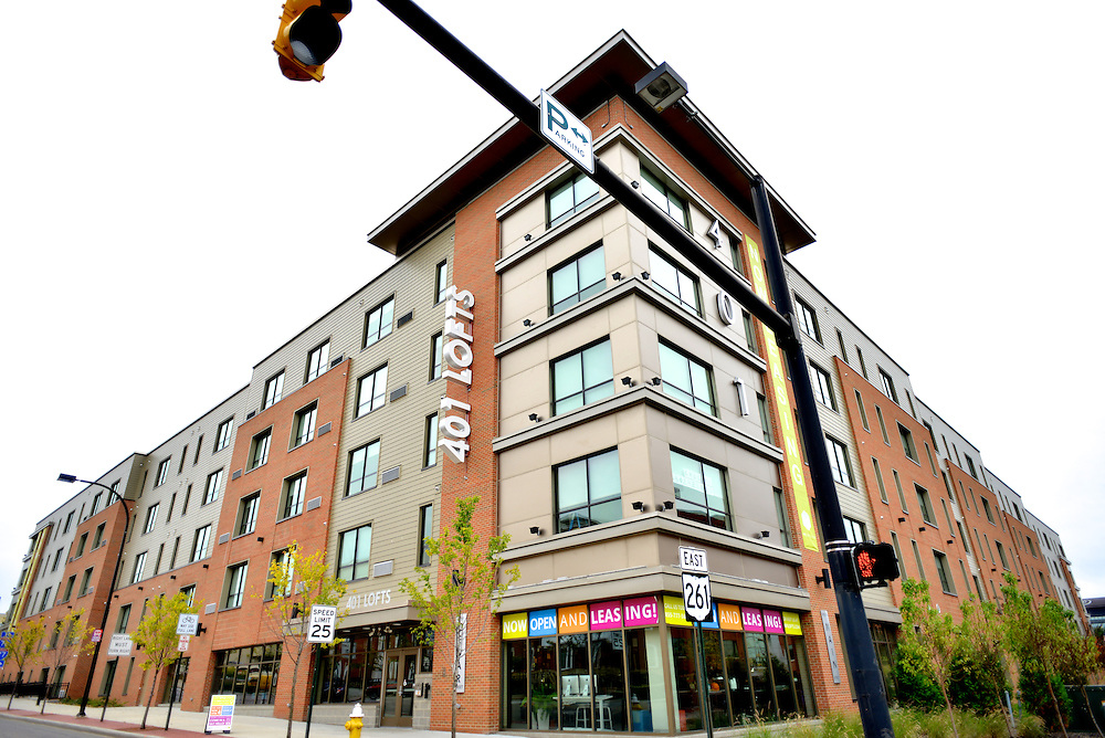 Exterior street view of the 401 Lofts apartments.
