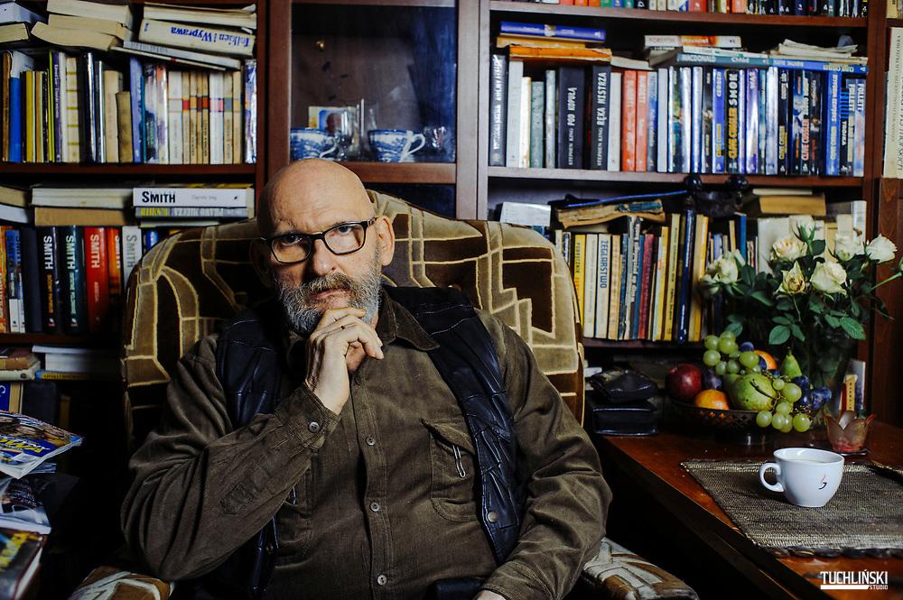 Warszawa, Polska; 25.11.2015r. Dr Andrzej Szaniawski, psychiatra w swoim domu.<br /> Fot. Adam Tuchlinski dla Newsweek Polska