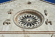 Rose window of the Gothic facade of the church of St. Benedict, before the 2106 earthquake, Piazza San Benedetto, Norcia, Umbria, Italy.<br /> <br /> Visit our ITALY HISTORIC PLACES PHOTO COLLECTION for more   photos of Italy to download or buy as prints https://funkystock.photoshelter.com/gallery-collection/2b-Pictures-Images-of-Italy-Photos-of-Italian-Historic-Landmark-Sites/C0000qxA2zGFjd_k<br /> .<br /> <br /> Visit our MEDIEVAL PHOTO COLLECTIONS for more   photos  to download or buy as prints https://funkystock.photoshelter.com/gallery-collection/Medieval-Middle-Ages-Historic-Places-Arcaeological-Sites-Pictures-Images-of/C0000B5ZA54_WD0s