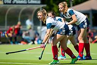 HUIZEN - Amber Folmer (Huizen) en Gitte Michels (Huizen) bij de eerste play off wedstrijd voor promotie naar de hoofdklasse , Huizen-Nijmegen (3-2) COPYRIGHT KOEN SUYK