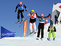Freestyle<br /> FIS World Cup<br /> Alpe D Huez Frankrike<br /> 11.01.2012<br /> Foto: Gepa/Digitalsport<br /> NORWAY ONLY<br /> <br /> FIS Weltcup, Ski Cross <br /> <br /> Bild zeigt Alizee Baron (FRA), Marte Høie Gjefsen (NOR), Maria Komissarova (RUS) und Sami Kennedy-Sim (AUS)
