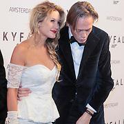 NLD/Amsterdam/20121028 - Inloop premiere nieuwe James Bond film Skyfall , Lauren Verster en partner Jort Kelder