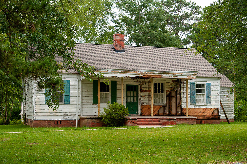 An old abandoned private house at Central State Hospital in Milledgeville, Georgia on Sunday, July 18, 2021. Copyright 2021 Jason Barnette